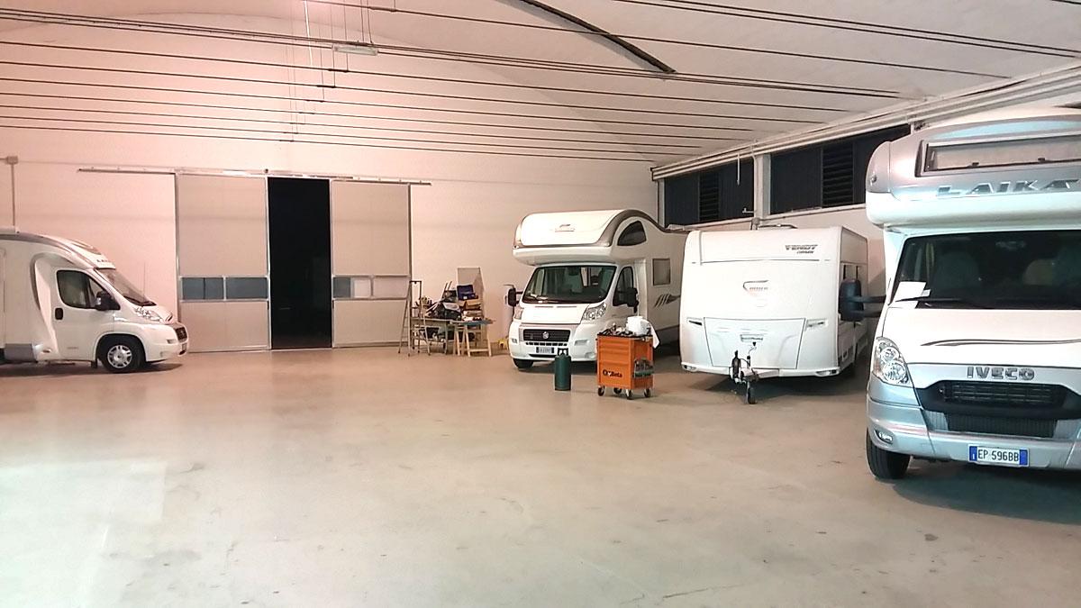 officina-showroom-mmcamper-pesaro1