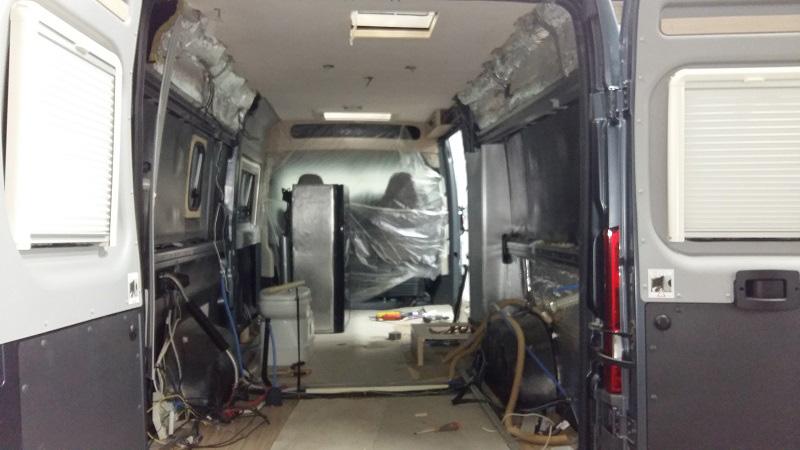 modifica-personalizzazione3-camper-furgonato-mm-camper-pesaro