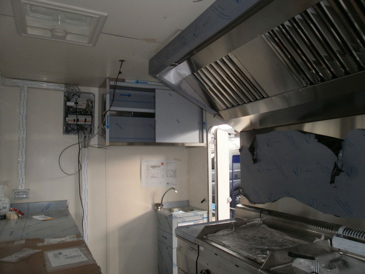 allestimento-veicolo5-street-food-mm-camper-pesaro
