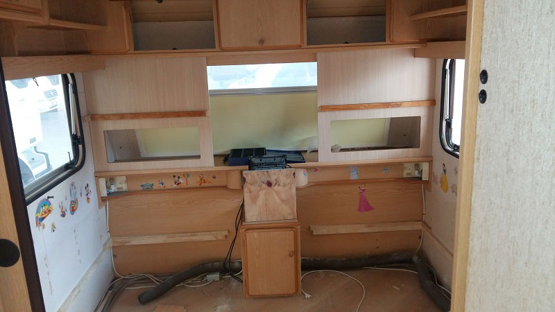 costruzione-letto-castello1-caravan-mm-camper-pesaro