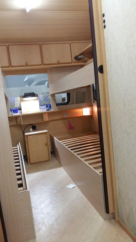 costruzione-letto-castello3-caravan-mm-camper-pesaro