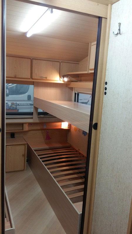 costruzione-letto-castello4-caravan-mm-camper-pesaro