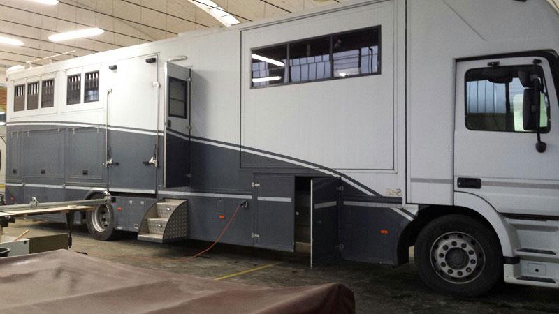 modifica-veicolo-trasporto-cavalli1