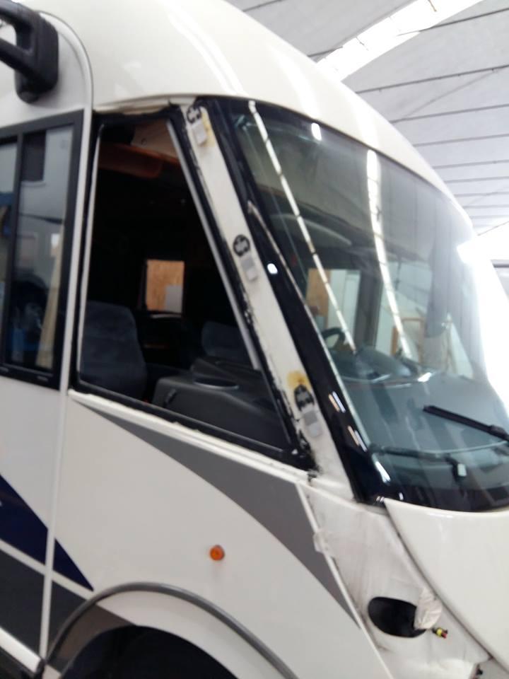 riparazione-vetro-camera-motorhome-chartago1