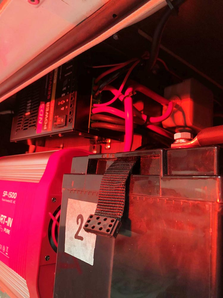 allestimento-Impianto-Elettrico-Camper-Arca-M725GLM5