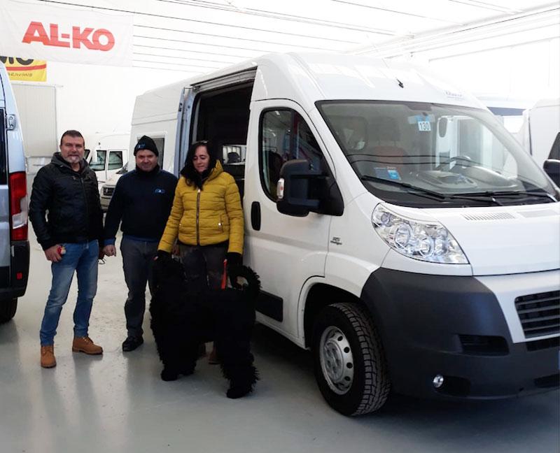 allestimento-furgonato-ducato-uso-unita-cinofile-consegna