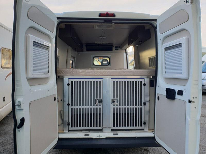 allestimento-furgonato-ducato-uso-unita-cinofile7