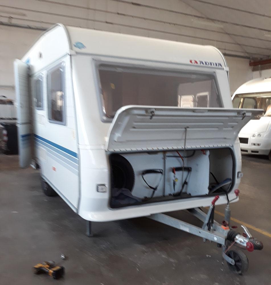 allestimento-ufficio-roulotte-personalizzato-federazione-canottaggio-mm-camper-pesaro-rimini11