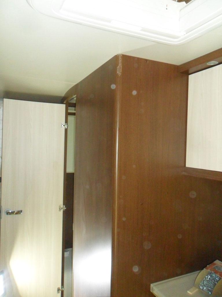 costruzione-box-doccia-nuovo-caravan-mm-camper-pesaro10