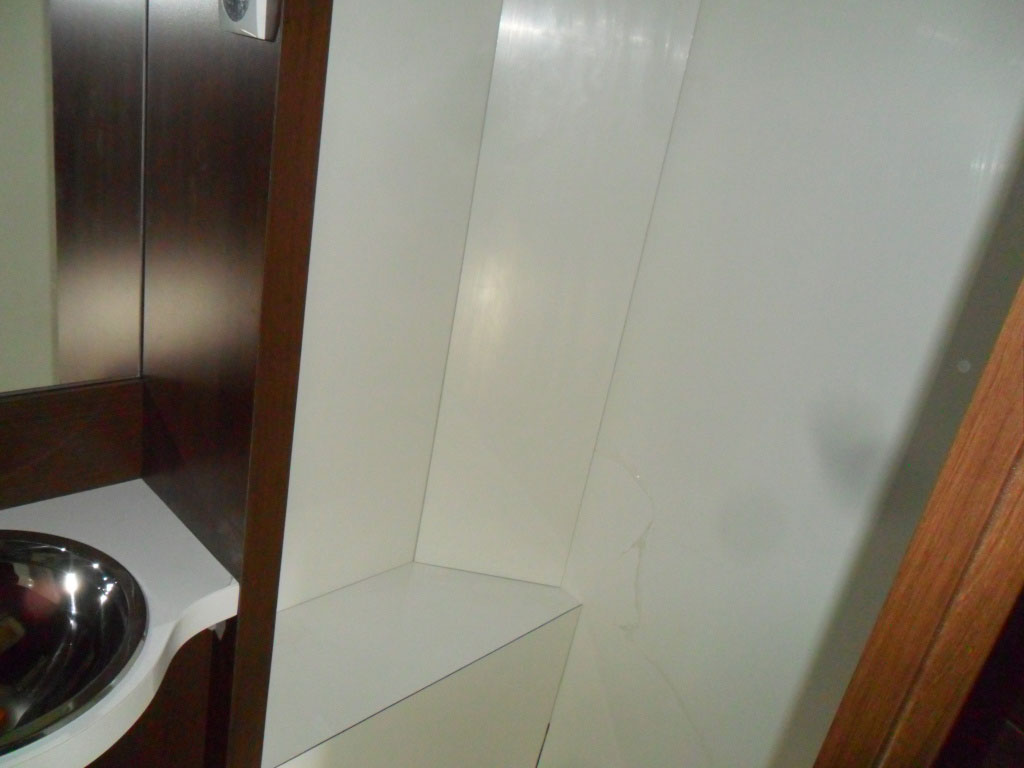 costruzione-box-doccia-nuovo-caravan-mm-camper-pesaro19