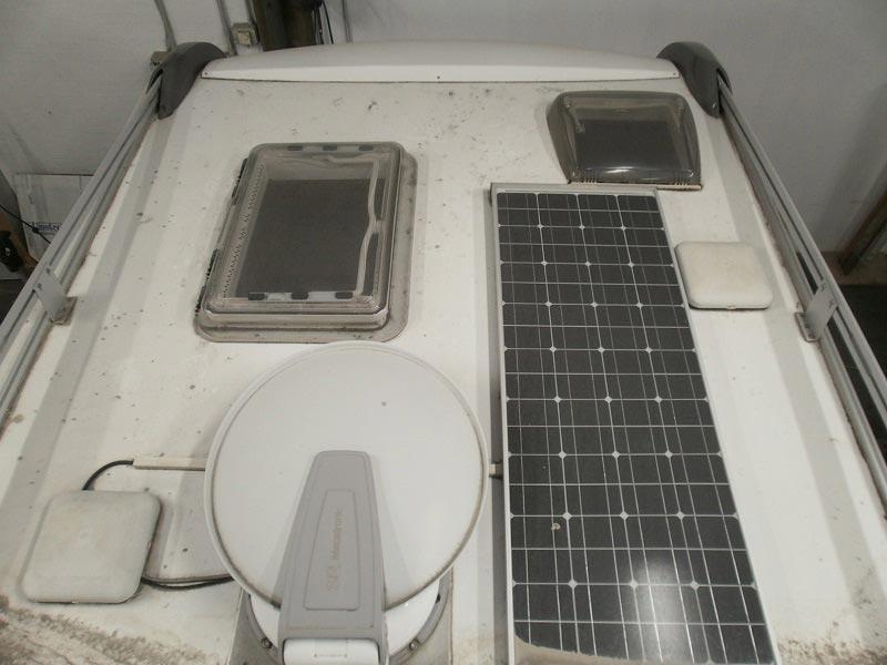 riparazione-tetto-camper-semintegrale-mmcamperpesaro1