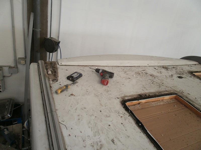 riparazione-tetto-camper-semintegrale-mmcamperpesaro13