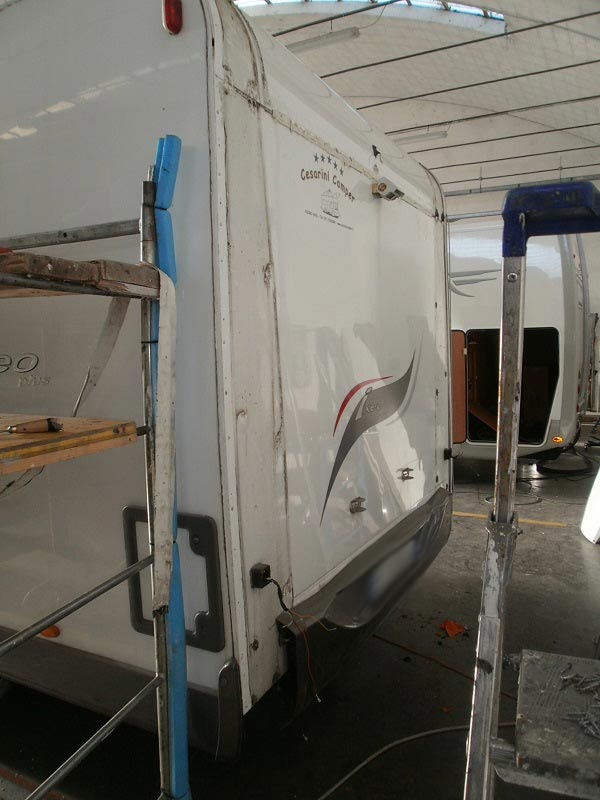 riparazione-tetto-camper-semintegrale-mmcamperpesaro17