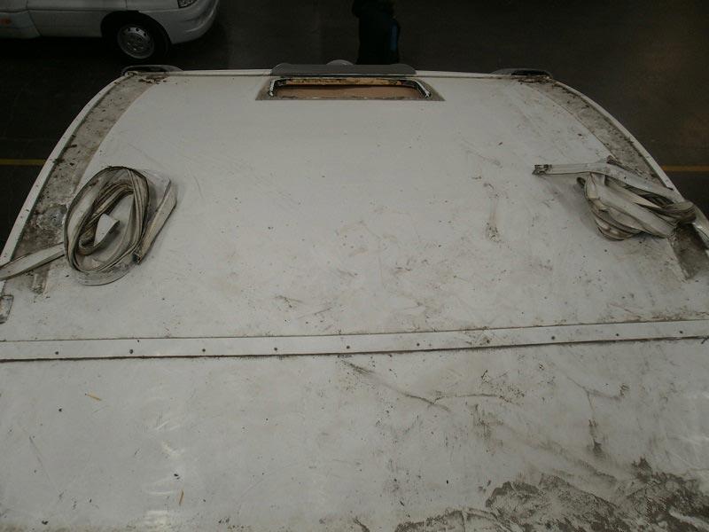riparazione-tetto-camper-semintegrale-mmcamperpesaro19