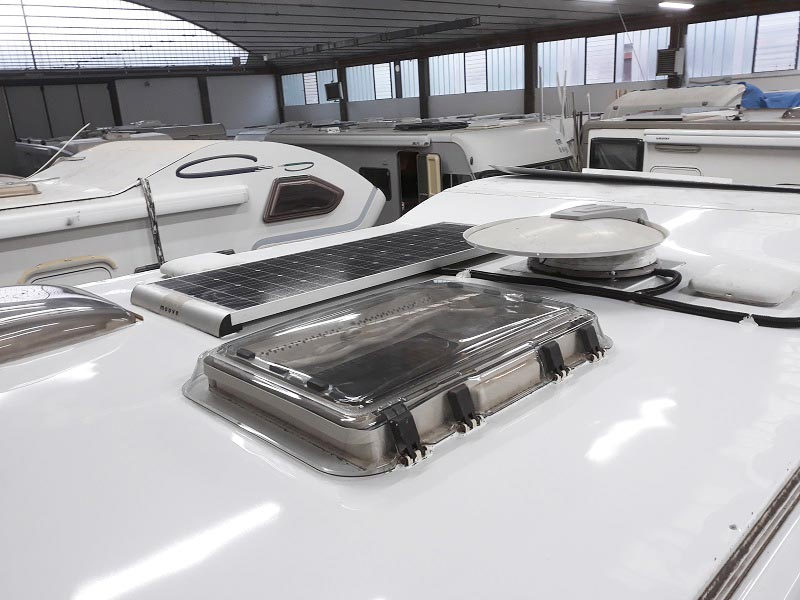 riparazione-tetto-camper-semintegrale-mmcamperpesaro29