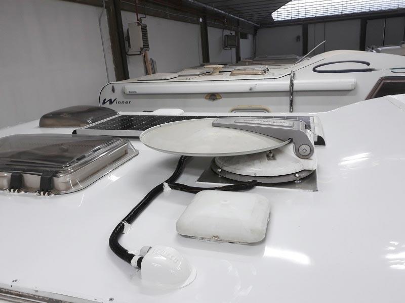 riparazione-tetto-camper-semintegrale-mmcamperpesaro30