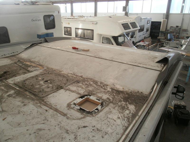 riparazione-tetto-camper-semintegrale-mmcamperpesaro5