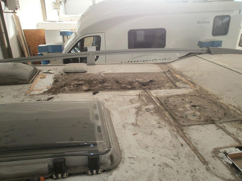 riparazione-tetto-camper-semintegrale-mmcamperpesaro7