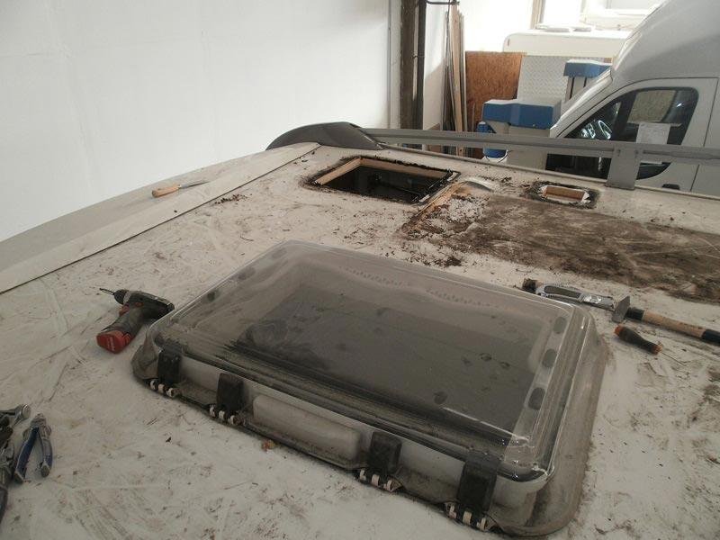 riparazione-tetto-camper-semintegrale-mmcamperpesaro8
