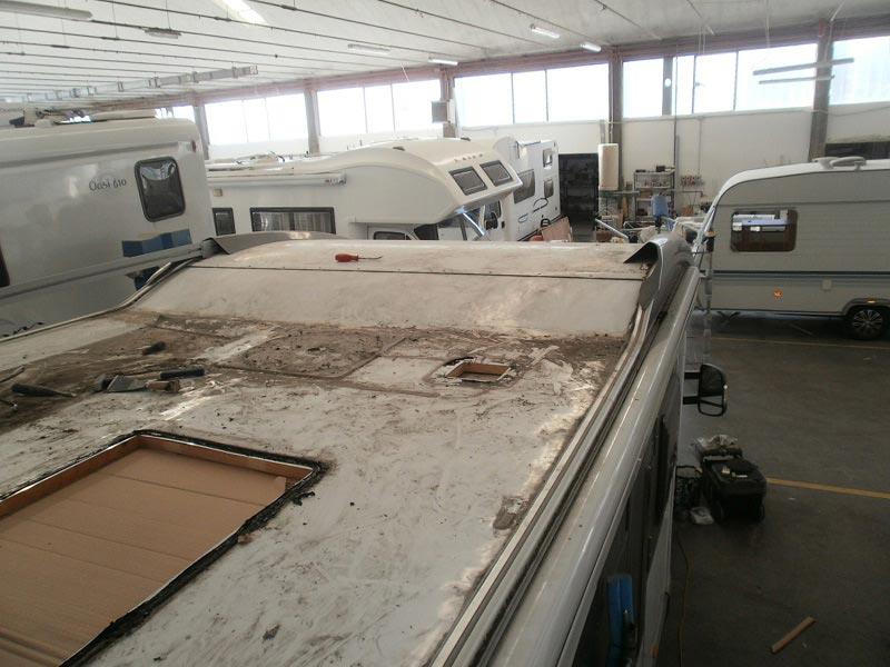 riparazione-tetto-camper-semintegrale-mmcamperpesaro9