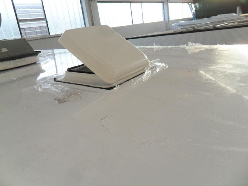 sostituzione-alluminio-tetto-camper-mansardato3